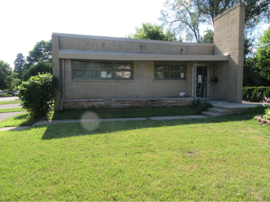 1901 Lexington Avenue N, Roseville, MN 55113