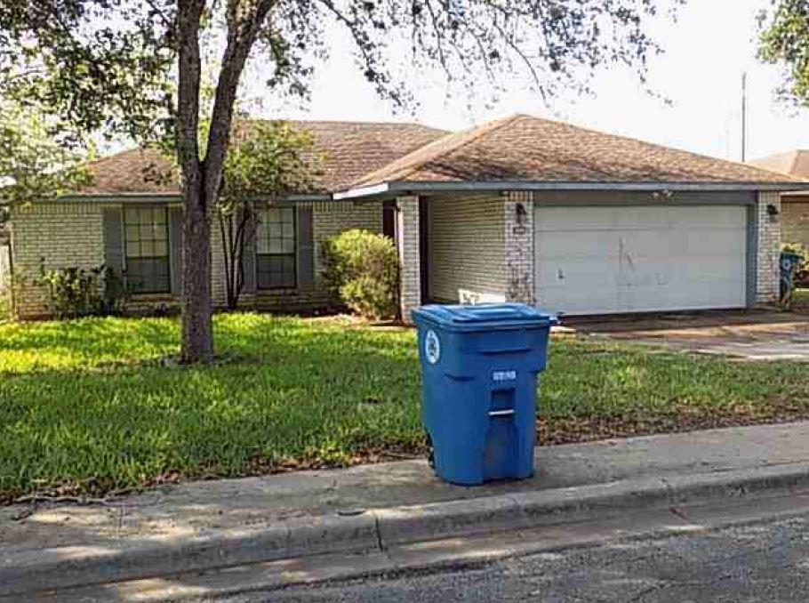 1200 E Toledo Street, Beeville, TX 78102