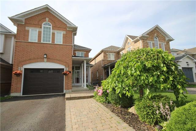 480 Woodsmere Cres, Pickering, ON L1V 7A5