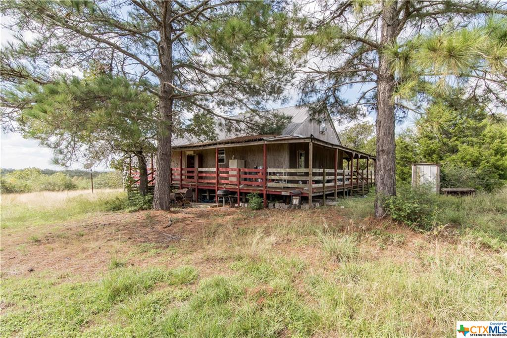 560 Lost, Luling, TX 78648