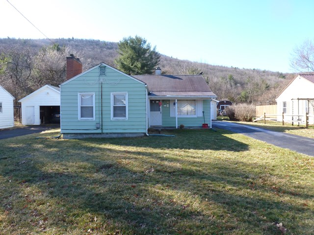 213 Hendy Creek Rd, Pine City, NY 14871