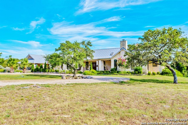 1392 Whiskey Canyon Ranch Rd N, Kerrville, TX 78028