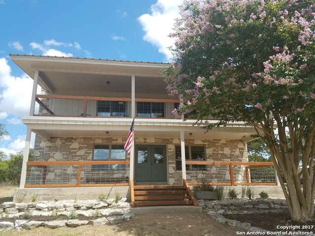 135 Black Buck Cir, Mountain Home, TX 78058