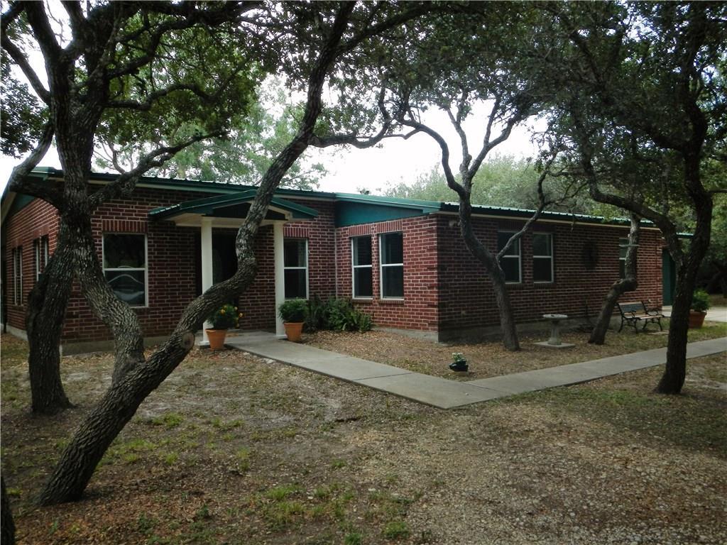 201 W Rhodes Ave, Aransas Pass, TX 78336