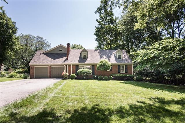 8433 Lee Boulevard, Leawood, KS 66206