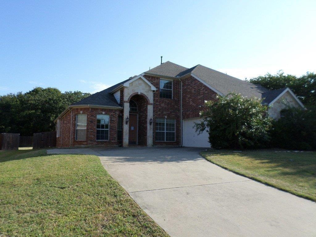 2207 High Pointe Drive, Corinth, TX 76210