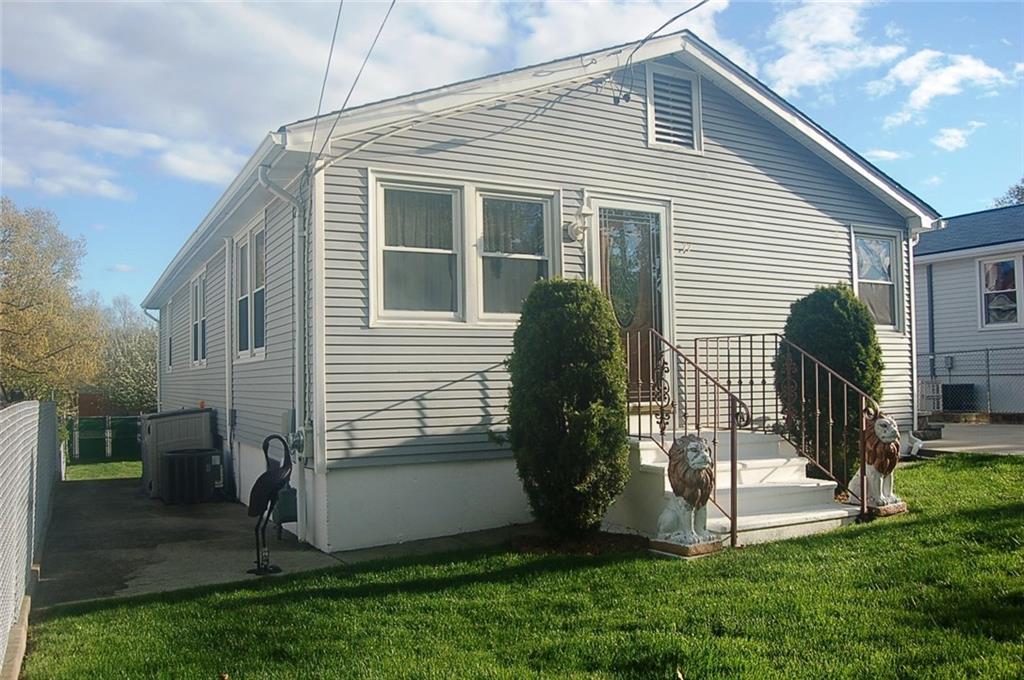 77 Highland AV, Cumberland, RI 02864