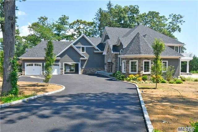 12 S Woods End Rd, Dix Hills, NY 11746