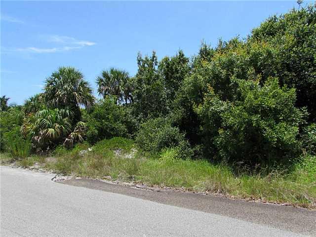 3840 NE Cheri Drive, Jensen Beach, FL 34957