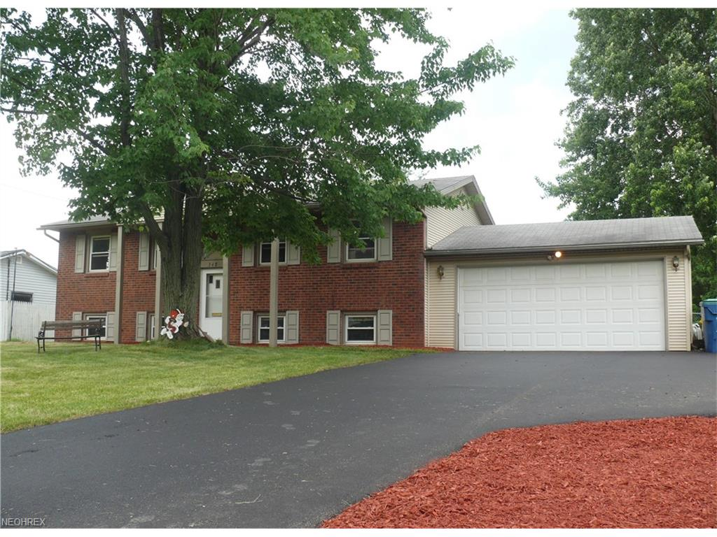 348 Ventura Dr, Youngstown, OH 44505