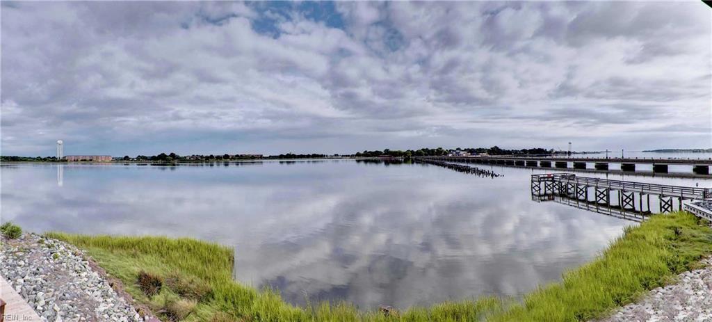 51 Waters Edge CIR, Hampton, VA 23669