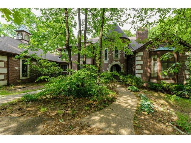 11 Lake Forest Court West, St Charles, MO 63301