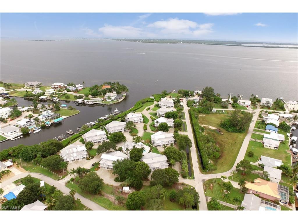 2299 Dixie Lee CT, ST. JAMES CITY, FL 33956