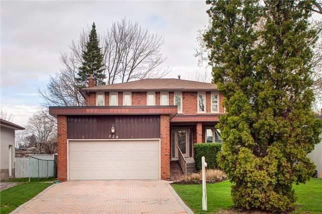 228 Homewood Ave, Toronto, ON M2M 1K6