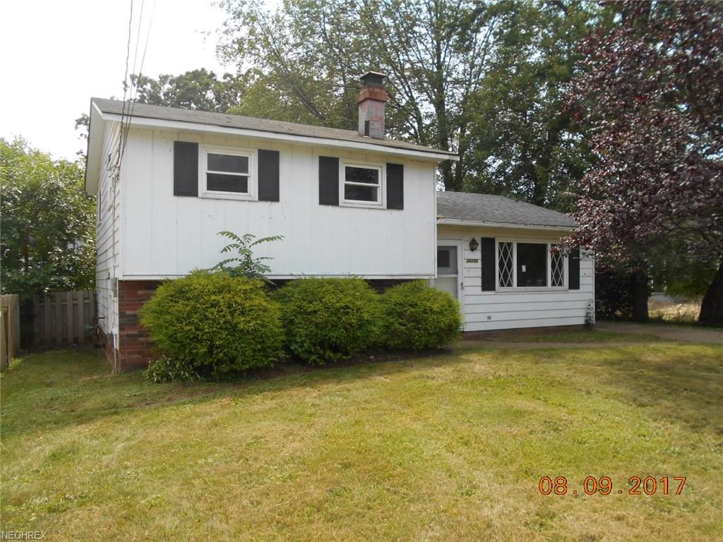 38292 Lake Shore Blvd, Willoughby, OH 44094