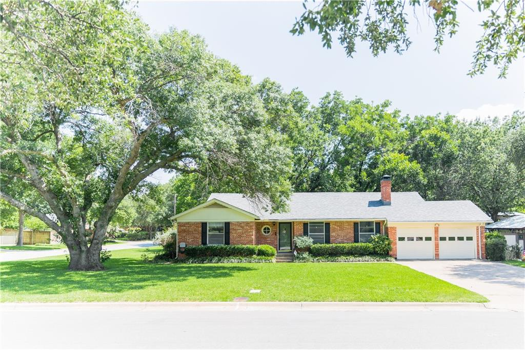 3801 Shelby Drive, Fort Worth, TX 76109