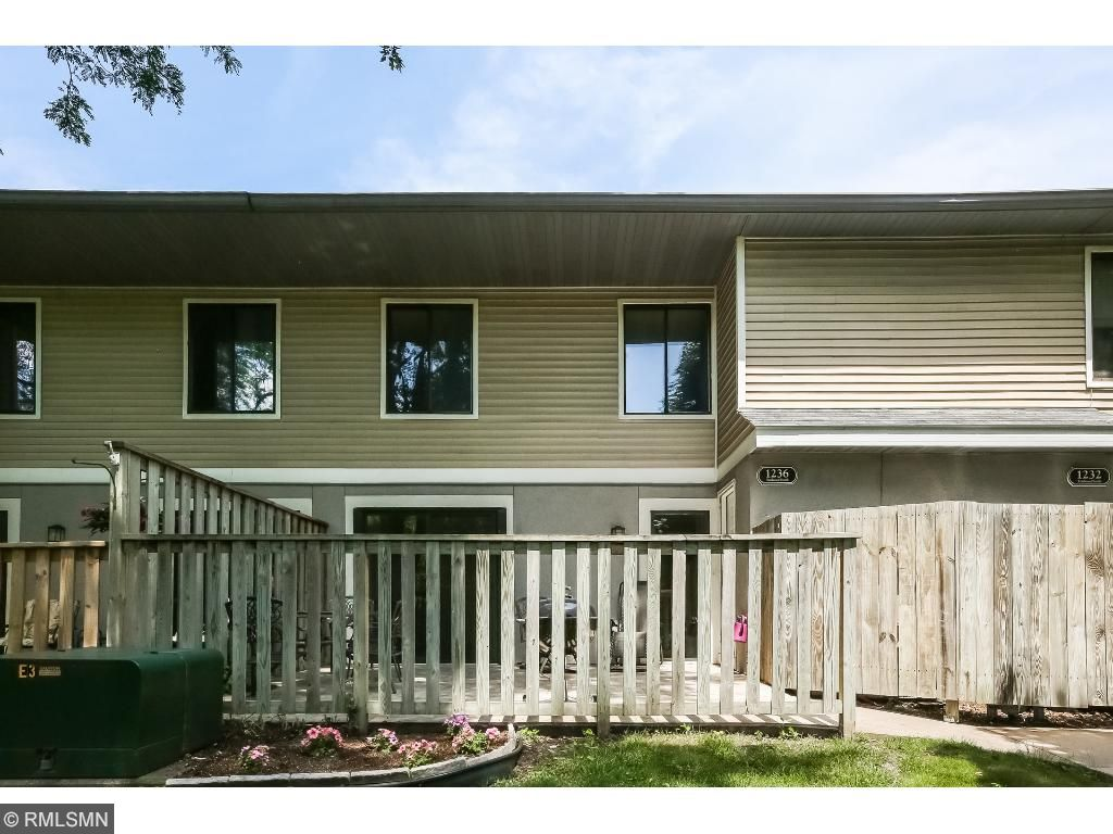 1236 Trailwood S, Hopkins, MN 55343