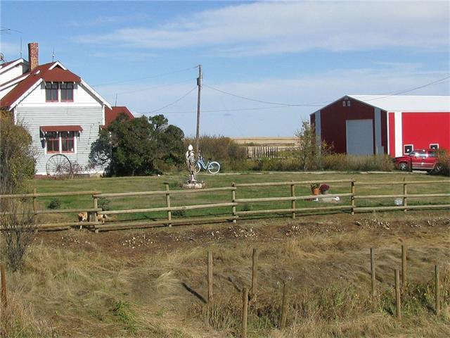 322246 304 Street E, Rural Foothills M.D., AB T0L 0J0