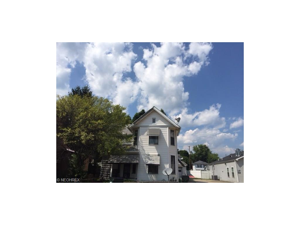 922 Main St, Coshocton, OH 43812