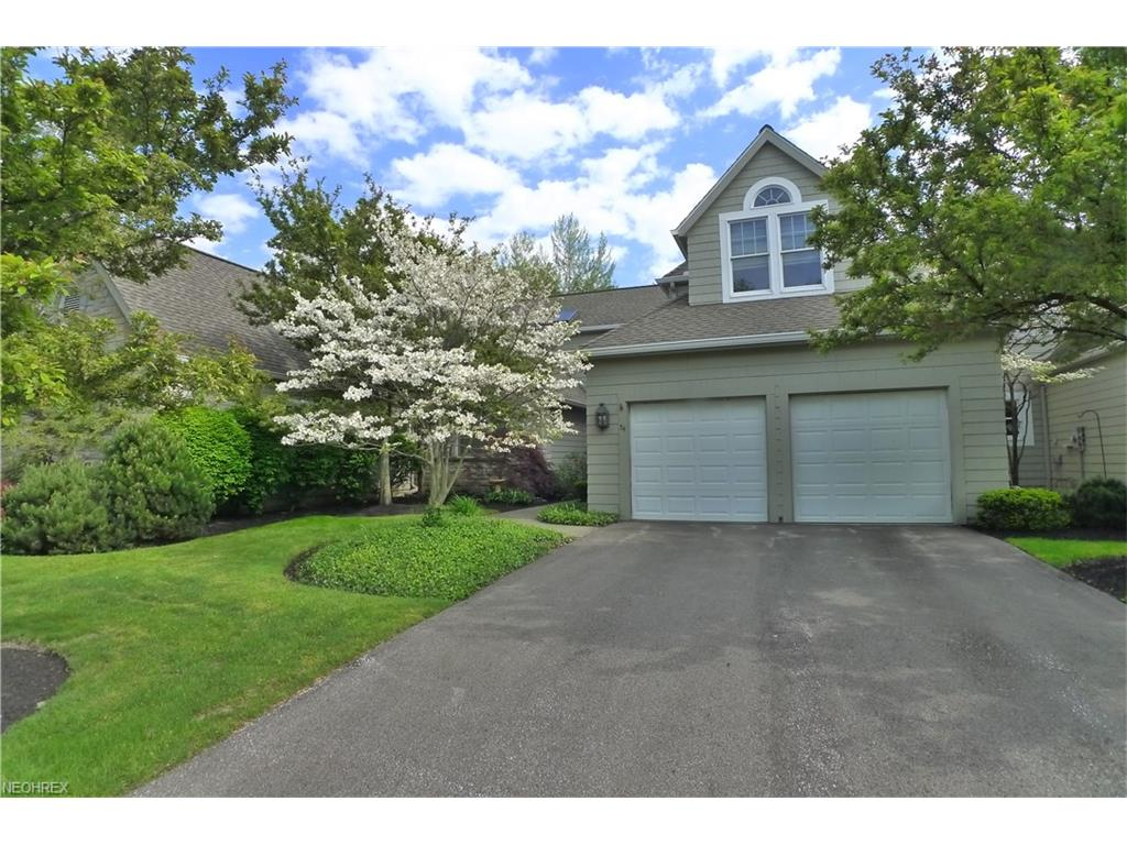 54 Haskell Dr, Bratenahl, OH 44108