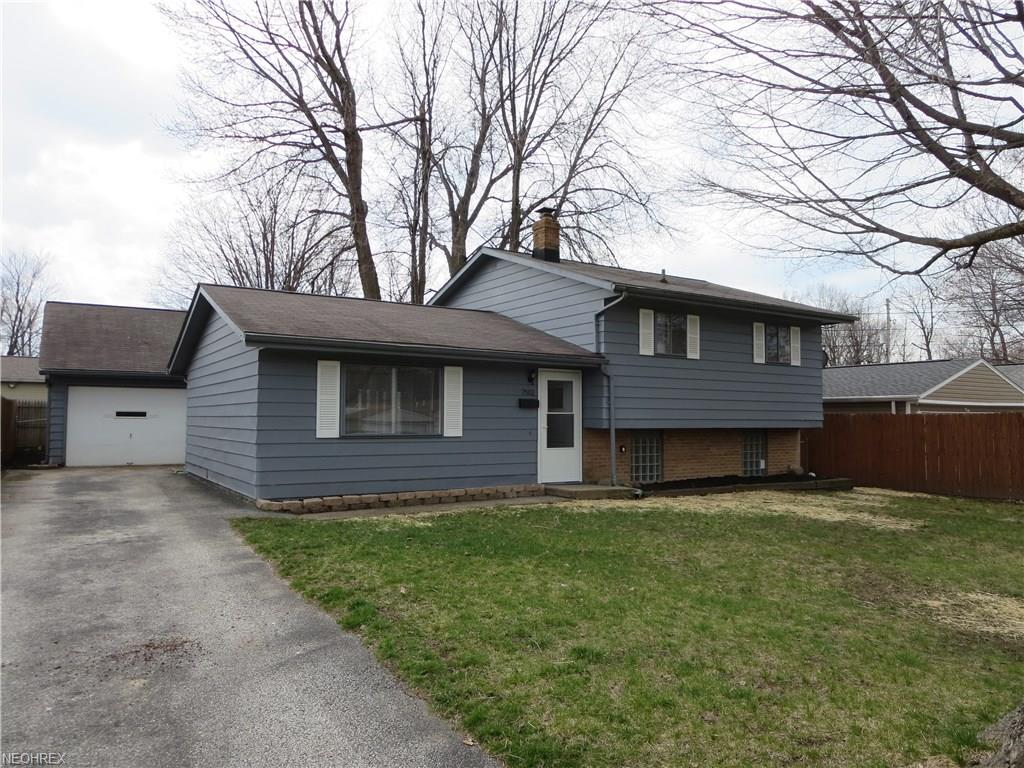 7502 Holly Dr, Mentor-on-the-Lake, OH 44060
