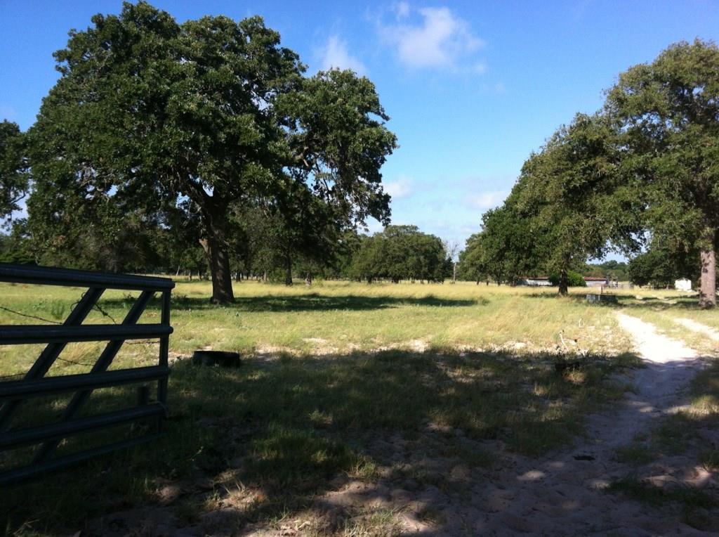 Littlehorn Lane, Stockdale, TX 78160
