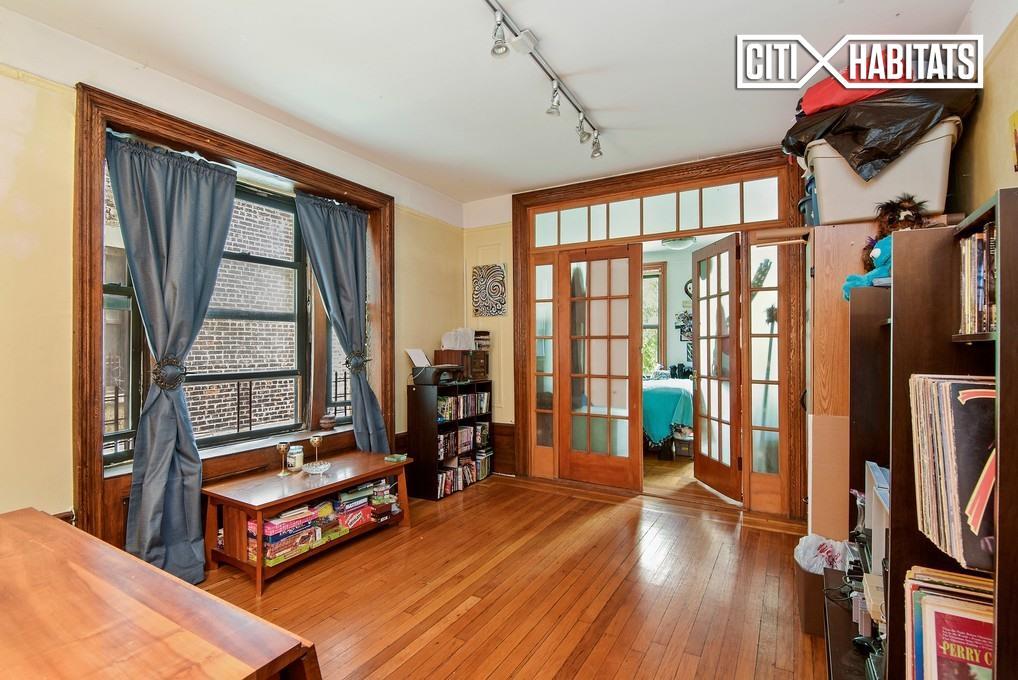 930 St Nicholas Ave 4, New York, NY 10032