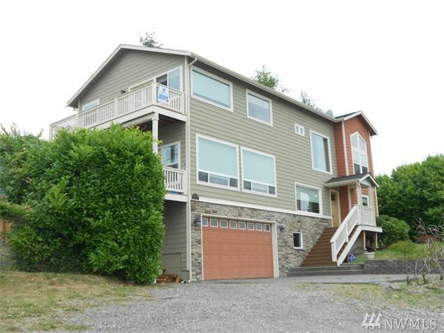 6521 Eastside Dr NE, Tacoma, WA 98422