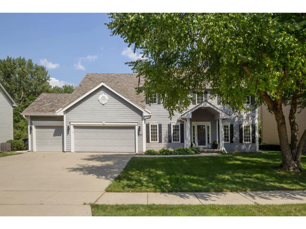 2097 NW 135th Street, Clive, IA 50325