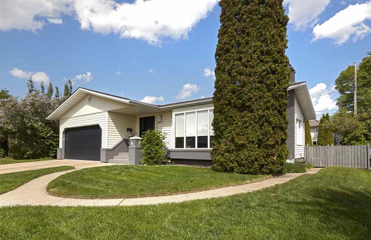 9007 140 Street, Edmonton, AB T5R 0J4