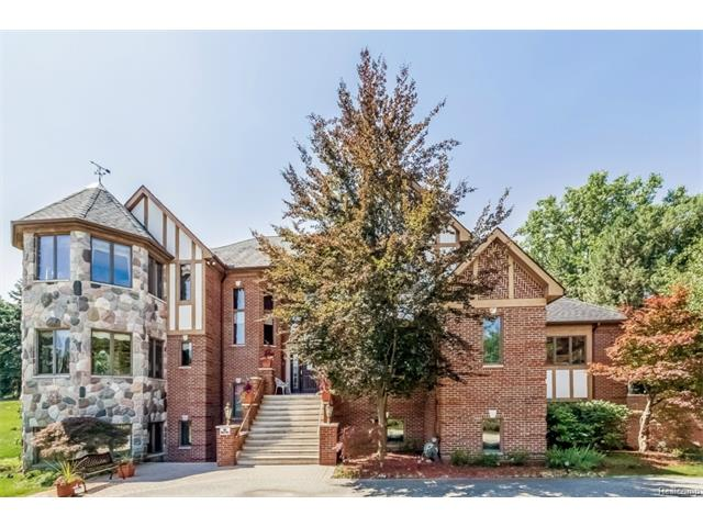 31085 ESTATE WOODS CRT, Farmington Hills, MI 48331
