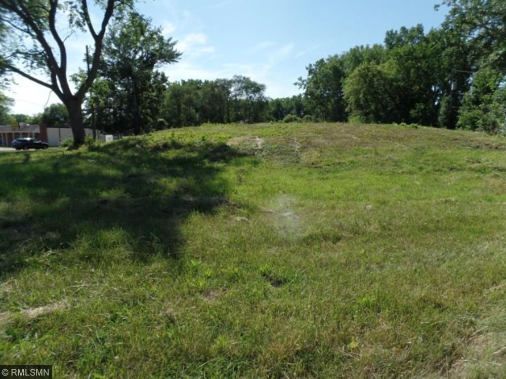 10900 S Shore Drive, Plymouth, MN 55441