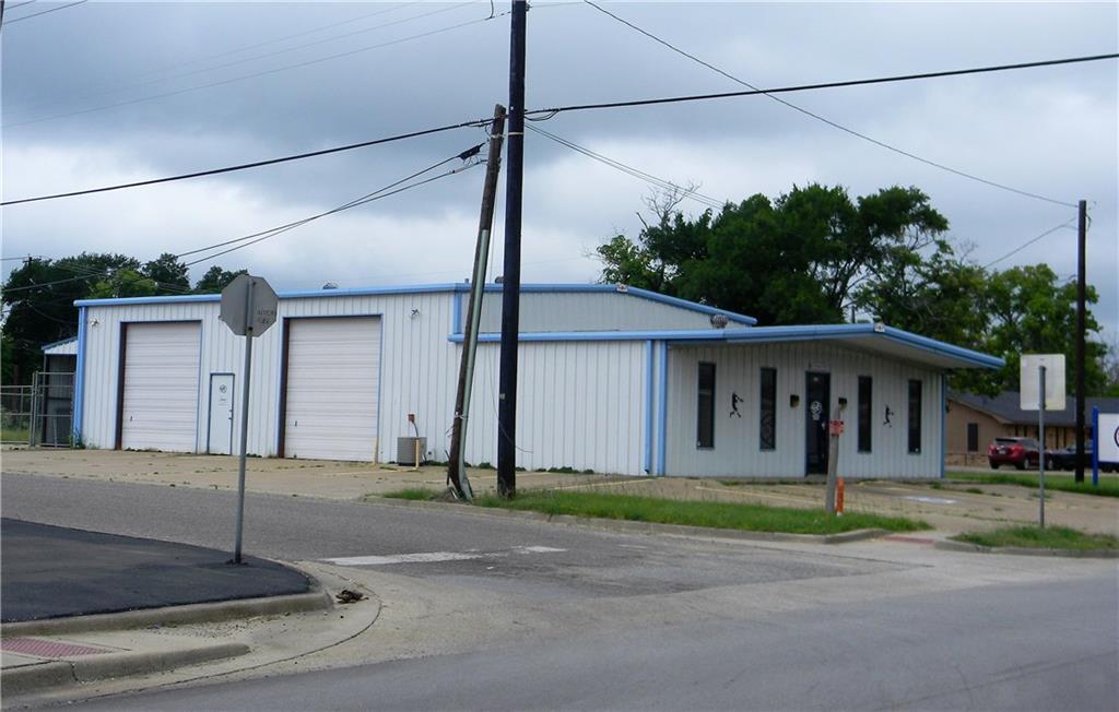 801 N Palestine Street, Athens, TX 75751