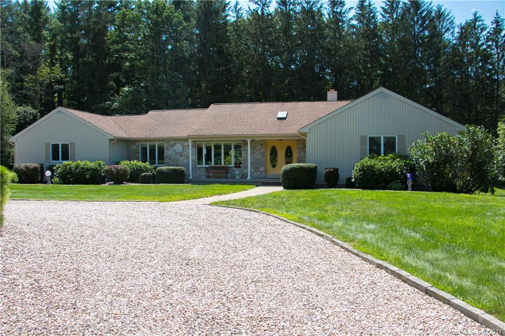 649 Park Road Extension, Middlebury, CT 06762