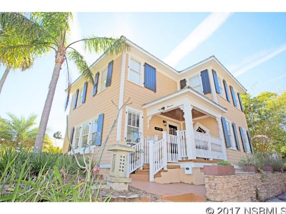 1000 Riverside Dr, New Smyrna Beach, FL 32168