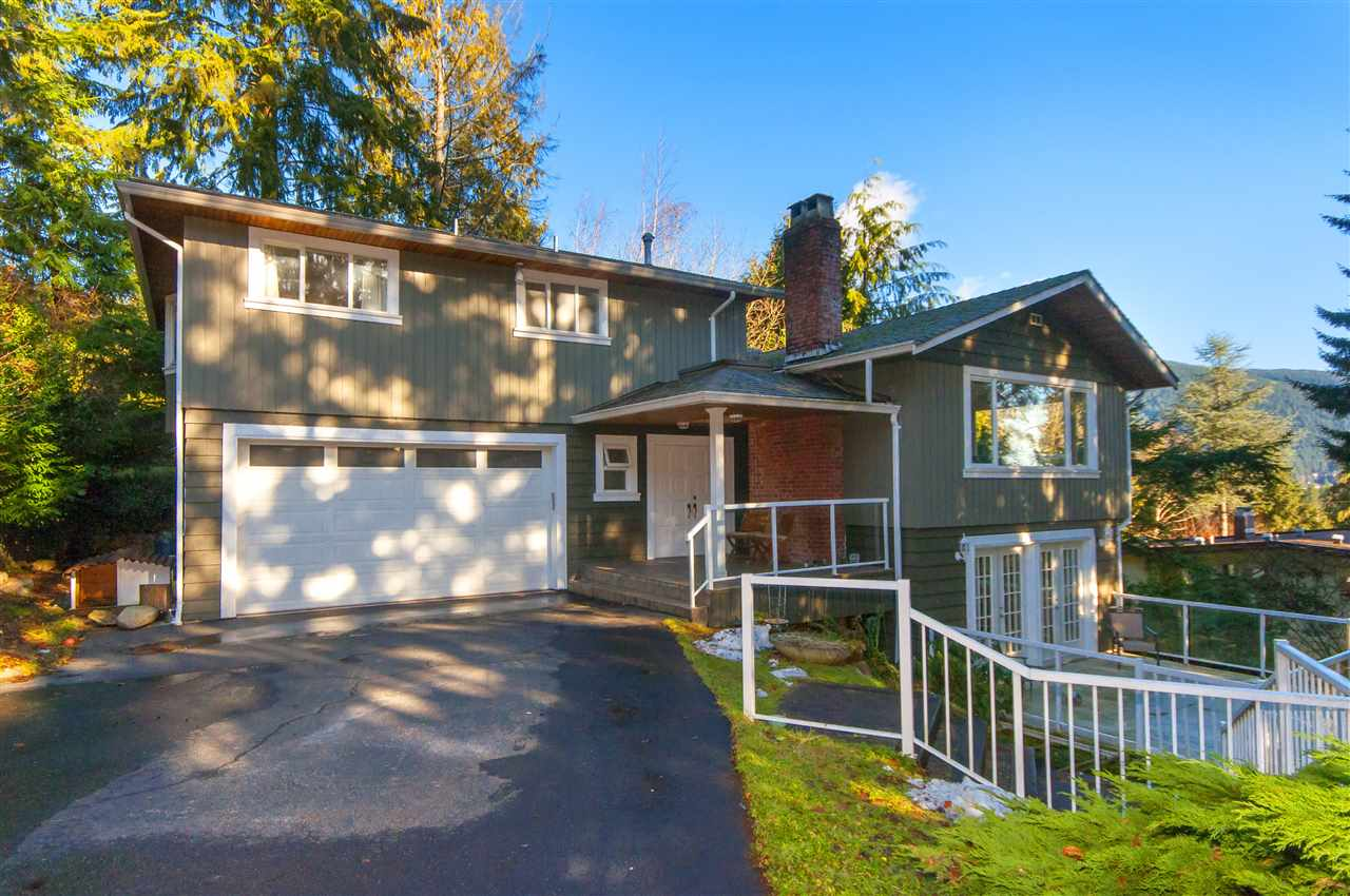 572 ST. GILES ROAD, West Vancouver, BC V7S 1L8