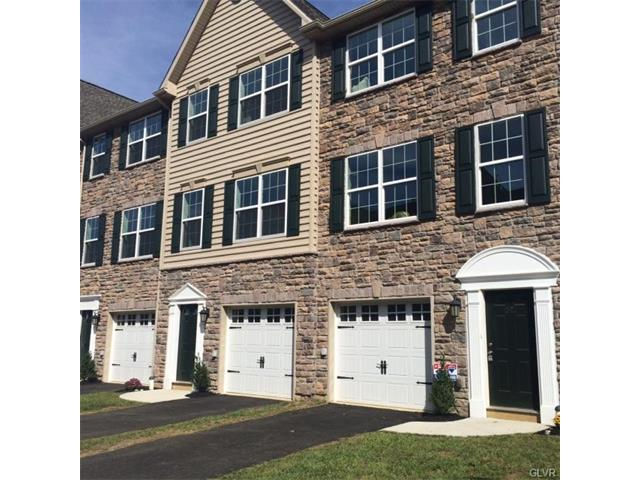 1536 Greystone Place, Hellertown Borough, PA 18055