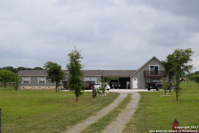 270 LONG MEADOW DR, Lytle, TX 78052