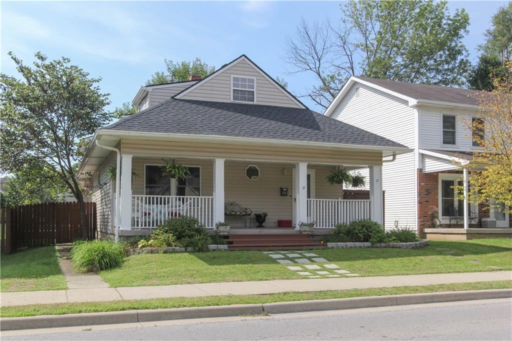 853 W Oak Street, Zionsville, IN 46077
