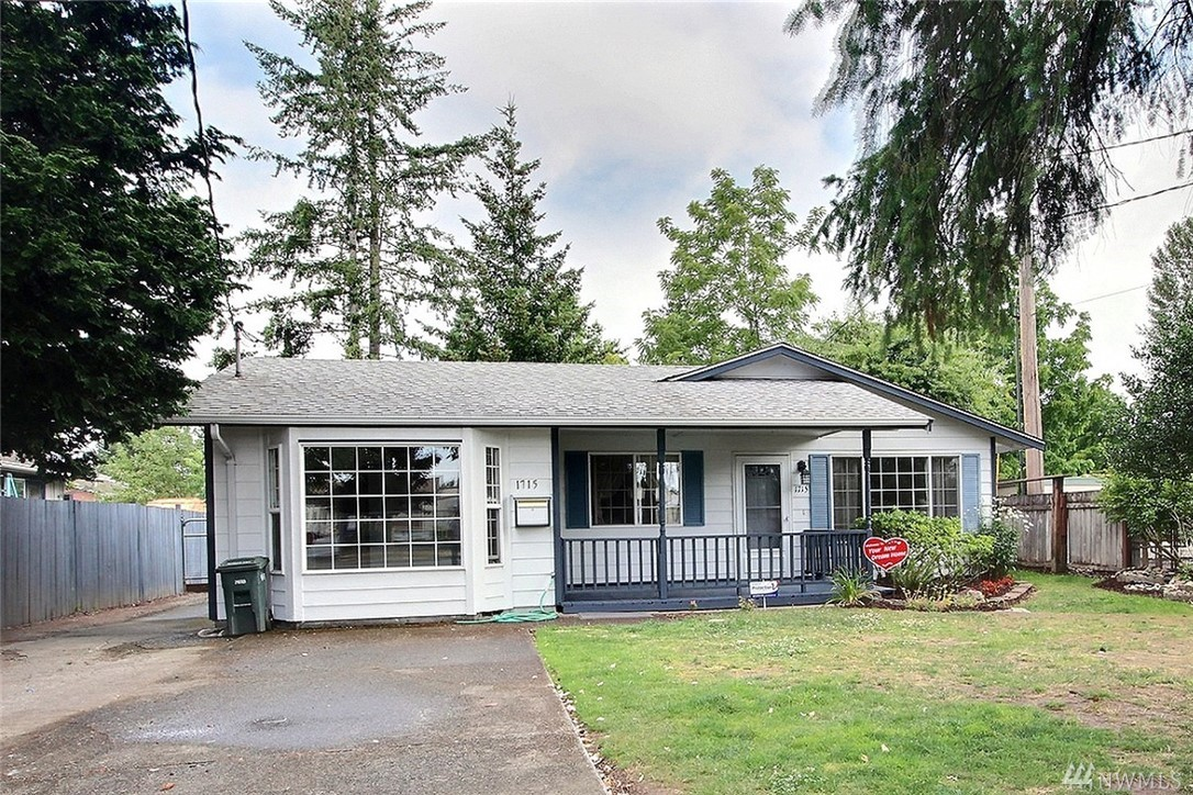 1715 Washington St, Sumner, WA 98390