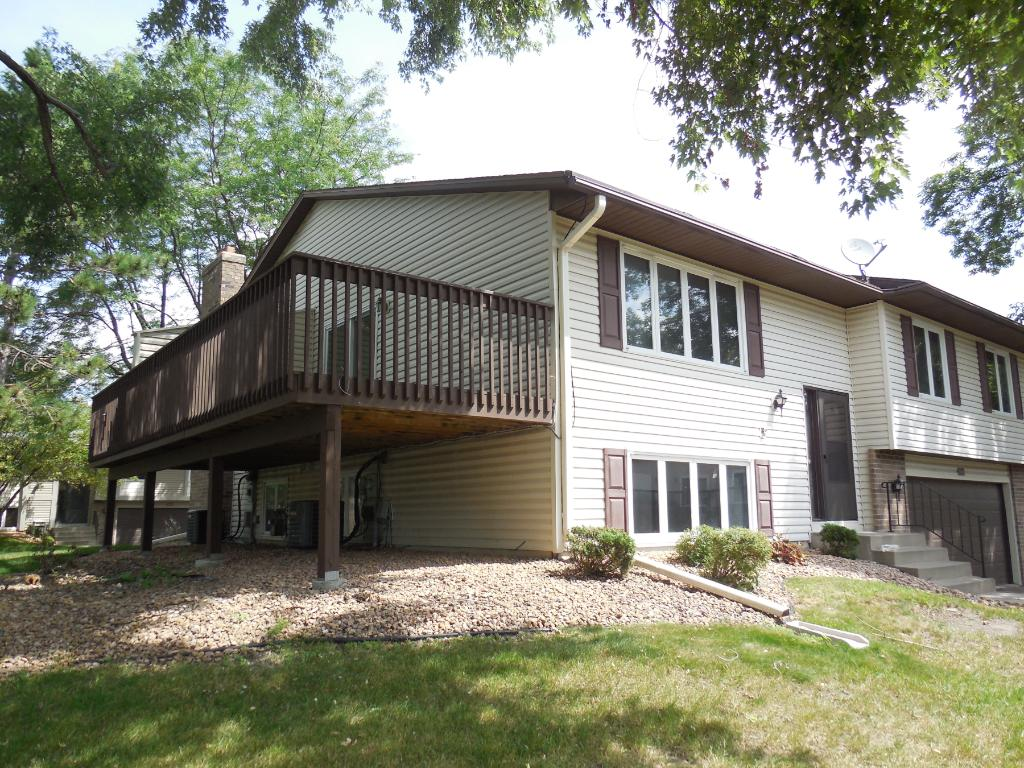 9370 Kingsview Lane N, Maple Grove, MN 55369