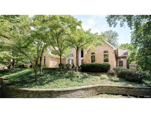14 Huntington Forest dr Drive, St Charles, MO 63301