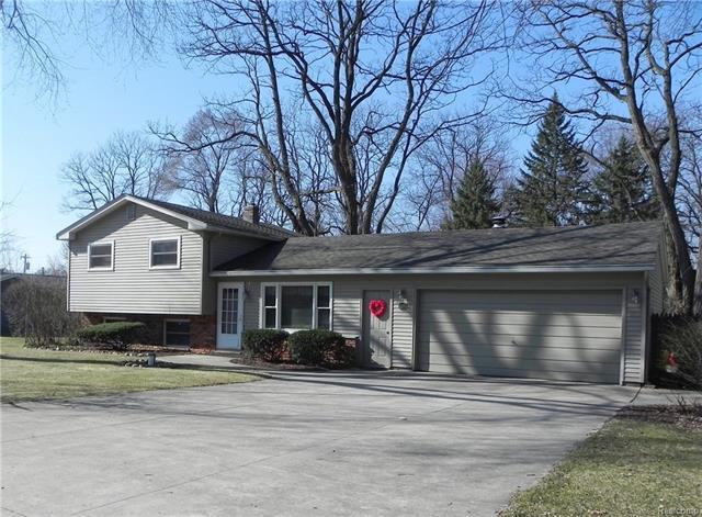 1560 Peterson ST, West Bloomfield Twp, MI 48324