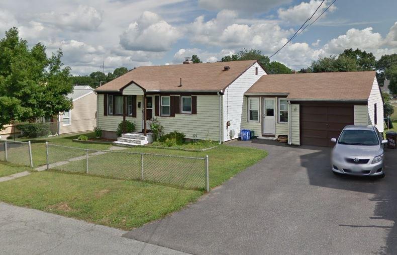 33 Island AV, East Providence, RI 02916