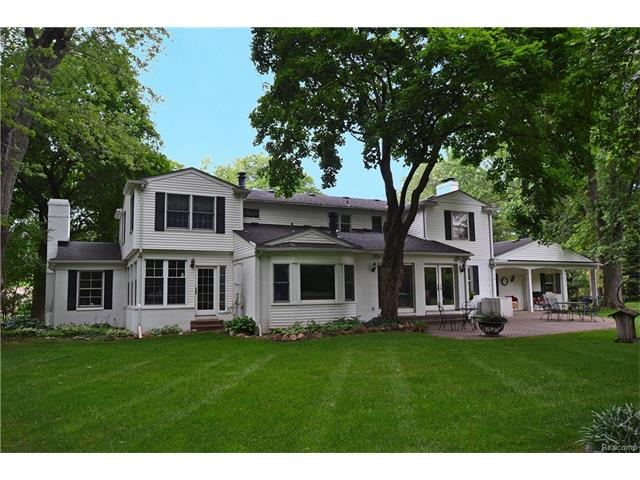 240 WARRINGTON Road, Bloomfield Hills, MI 48304