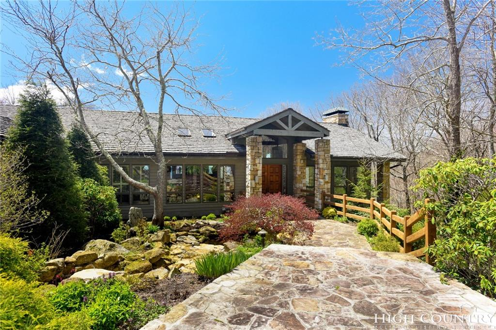 1601 Forest Ridge Drive 16, Linville, NC 28646