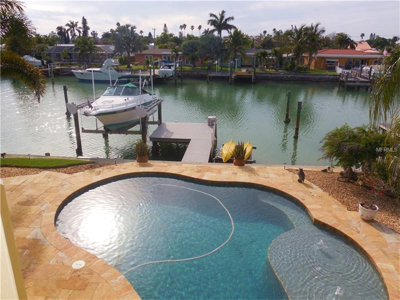 556 LILLIAN DRIVE, MADEIRA BEACH, FL 33708