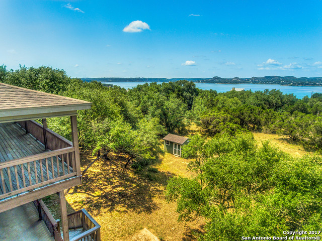 636 Mt Lookout Dr, Canyon Lake, TX 78133