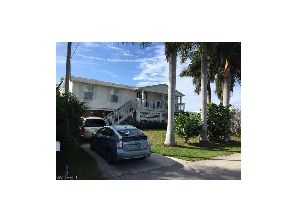 3767 Royal Palm DR, ST. JAMES CITY, FL 33956