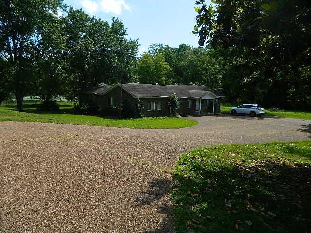 191 Forks River Rd, Waverly, TN 37185